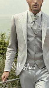 abito-sposo-grigio-chiaro-bordato